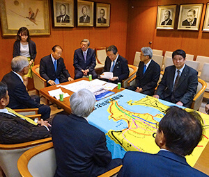二階幹事長に錦江湾横断道路を要望